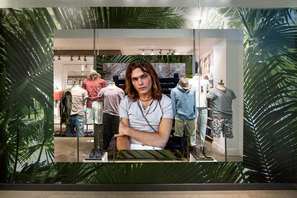 AEO Men's Window Display