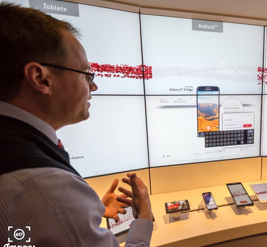 Michael Murphy Verizon Manager explains how I can use the massive touch screen to shop and compare .
