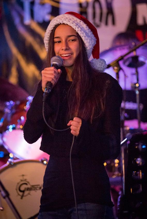 Beautiful Mia singing at Di Piazzas Long Beach