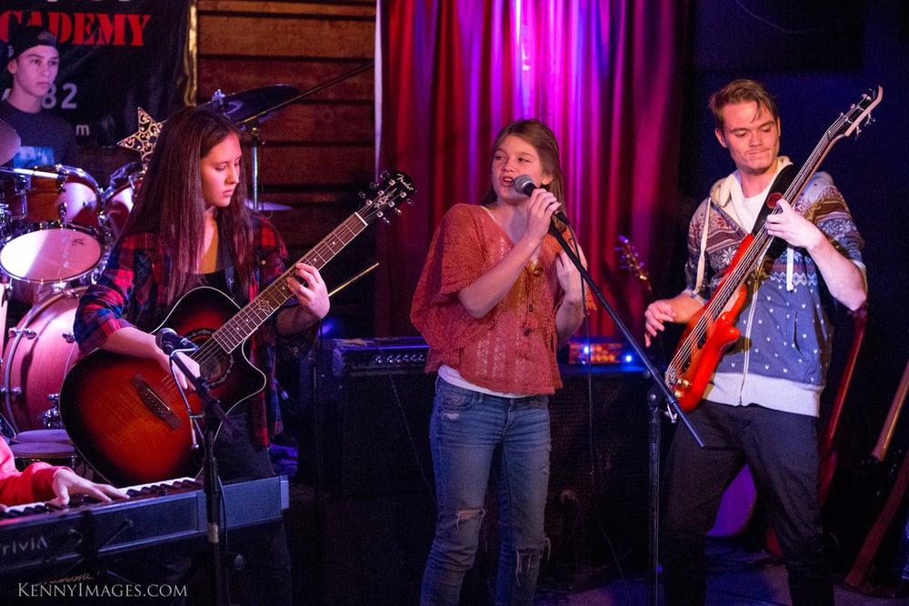 Impromptu Jam band on stage!