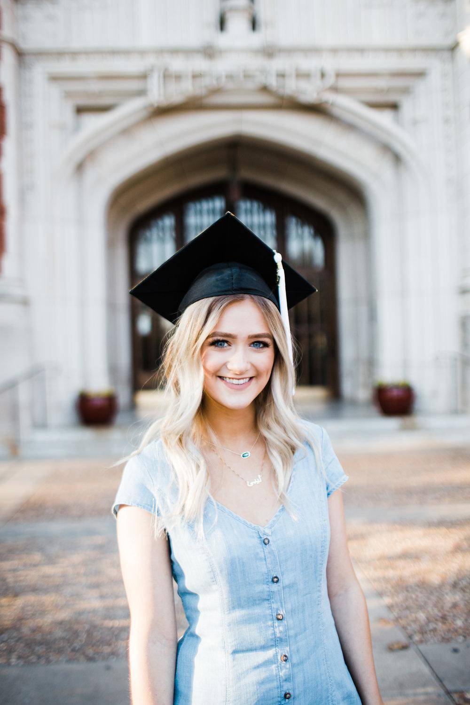Graduation cap senior pictures