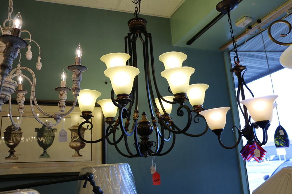 & Discount Lighting Outlet