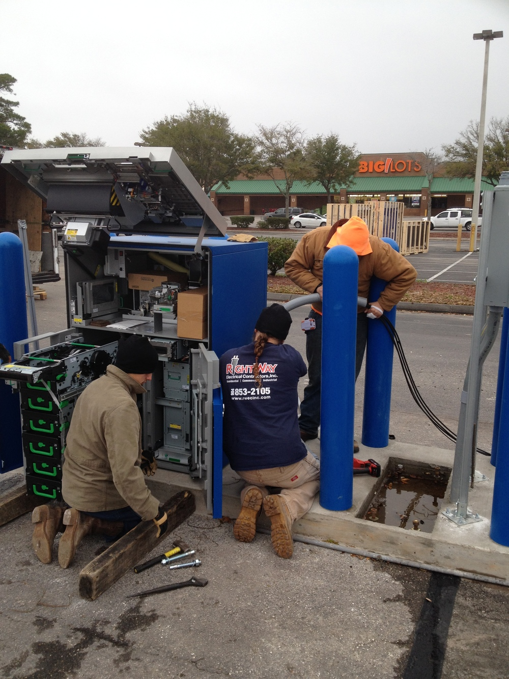 Drive-up ATM Installation (DURING)