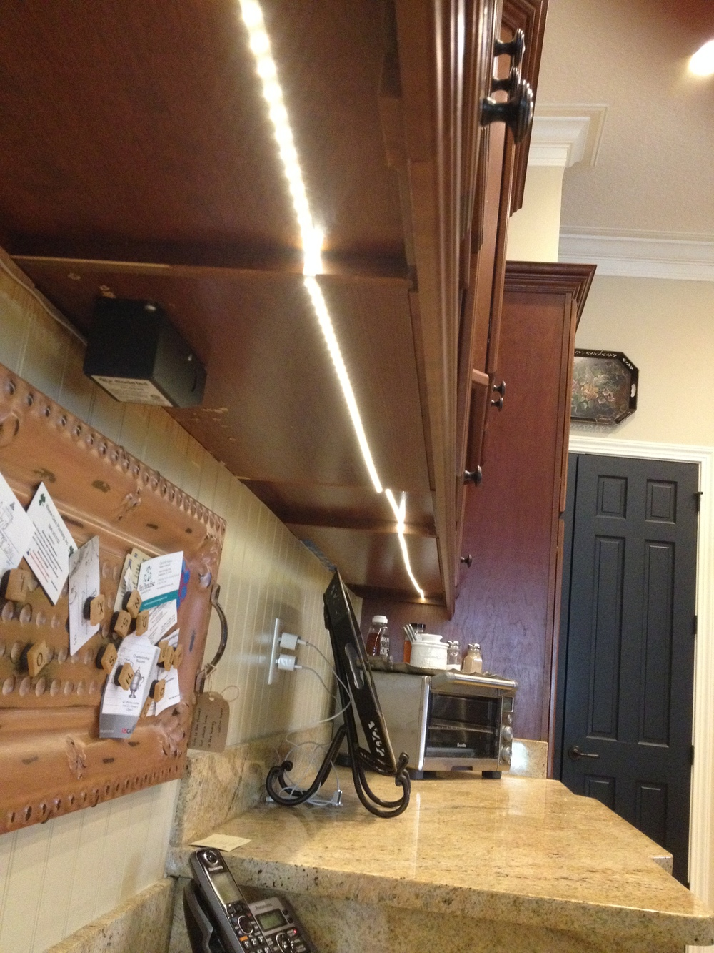 LED Under-cabinet Lighting