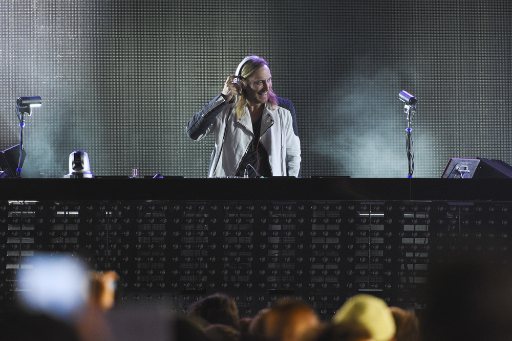 David Guetta onstage at the iHeartRadio Summer Pool Party at Caesars Palace in Las Vegas on Saturday, May 30. (Jason Ogulnik/Las Vegas Review-Journal)