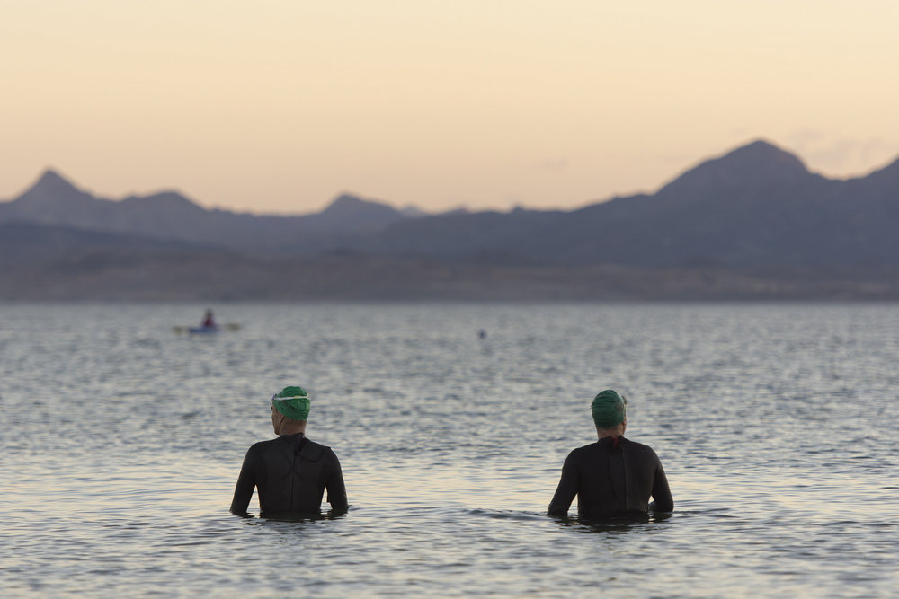 Swimmers acclimate to the water before participating in the first leg of the Las Vegas Triathlon at Lake Mead near Boulder City, Saturday, Oct. 1, 2016. Jason Ogulnik/Las Vegas Review-Journal