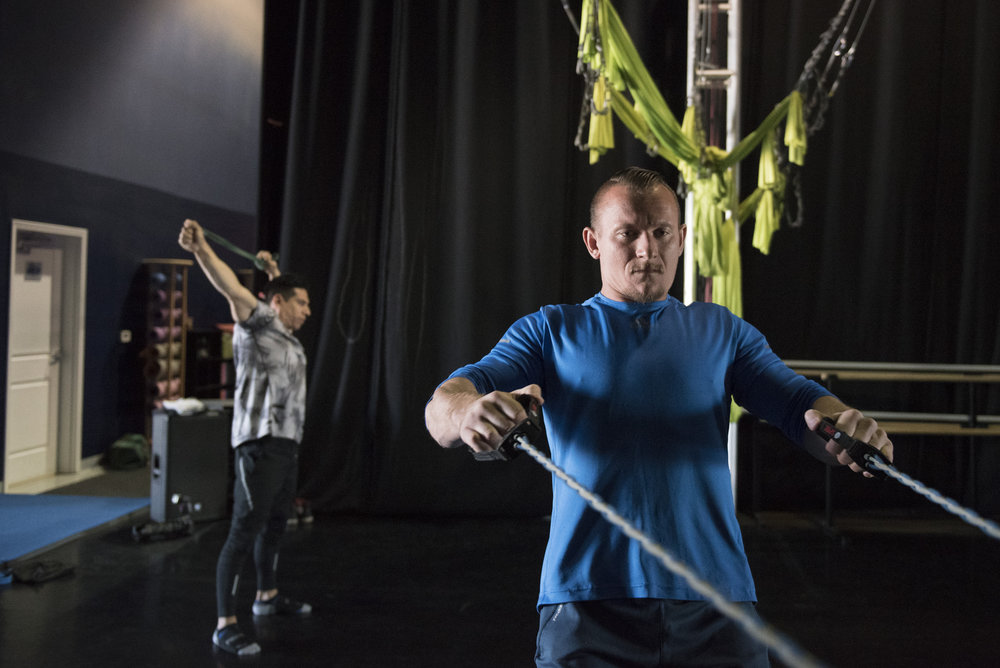 Duo A&A members Anton Makukhin, right, and Adam Vazquez train for upcoming performances with Circus Conelli at Shine Alternative Fitness in Las Vegas, Nev., Oct. 13, 2017.