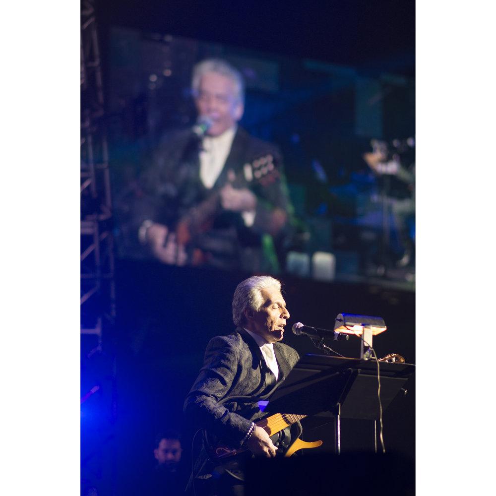 Faramarz Aslani performs at MGM Grand Garden Arena in Las Vegas, Nev., Dec. 24, 2017.