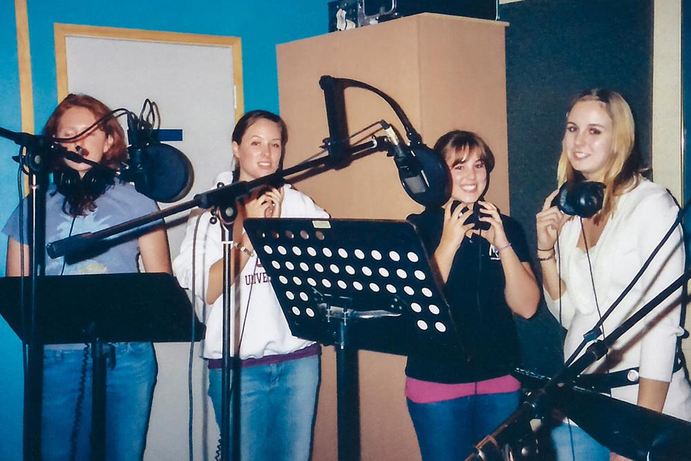 Sopranos del coro juvenil, durante la grabación de Oh Cómo Anhelo