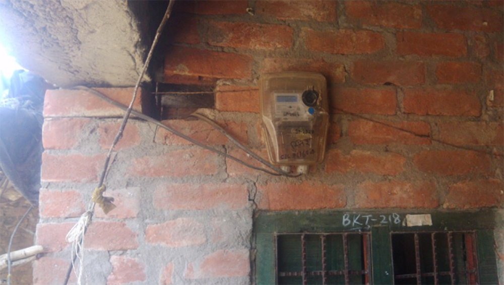 An electricity meter in a small Uttar Pradesh town. All new electricity connections are now metered in both urban and rural areas of the state. (Credit: Johnannes Urpelainen)