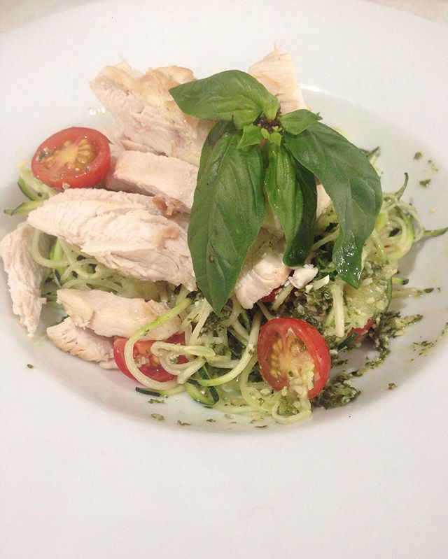 This weeks special ❤️. Grilled chicken with pesto infused zucchini noodles ❤️. #salad #realfood #freshisbest #toowoombaliving #toowoomba #toowoombaregion #toowoombacafe