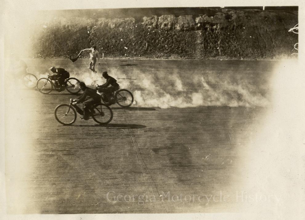 atl speedway 1909 finishline.jpeg