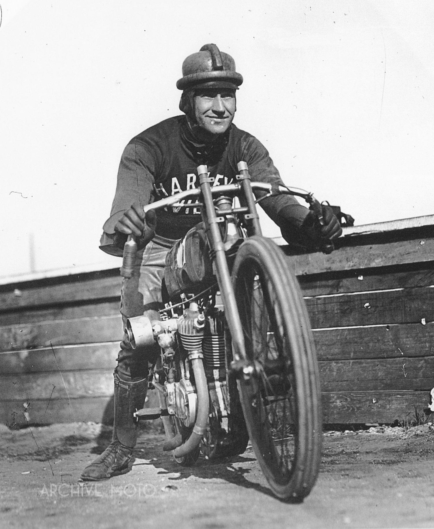 Archive Icon: Harry Otto Walker — Archive Moto