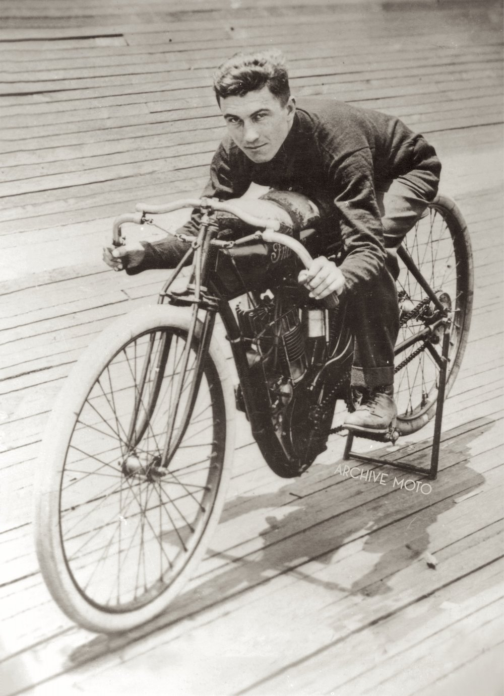 The dashing young Millionaire Morty Graves onboard his Indian factory special inside the Atlanta Motordrome, Summer 1913.  Photo from The Van Order Collection