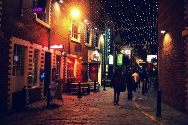 Ashton Lane at night