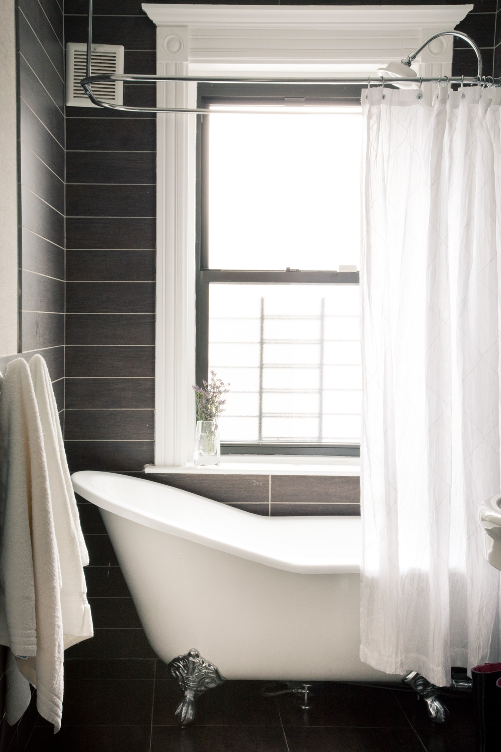 """Brooklyn brownstone interior design project: master bathroom decor"""