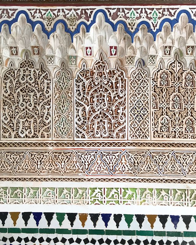 Intricate hand carved wood details. A gazillion hours maybe? Bahia palace. Marrakech 💙 . . . . #travelfar #travelwide #travelling #seesomeworld #travelersnotebook #efficientlybeautiful #longevity #tradition #art #handmade #iditravels #travelinmorocco #marrakech  #morocco #idiMorocco #ishkadesignsinteriors  #brooklyndesigners  #interiordesigners