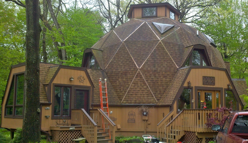 10b roof cleaning pic.jpg