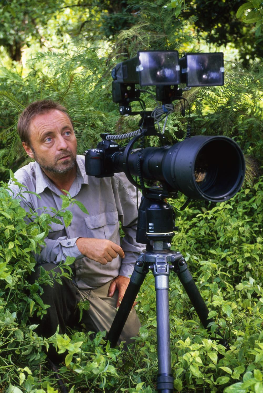 Frans Lanting Headshot.jpg
