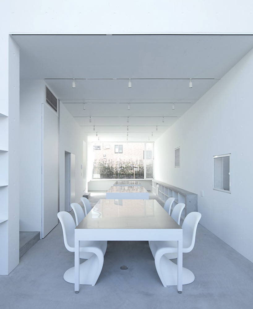 a.l.x.-junichi-sampei-light-cube-factory-designboom-007.jpg