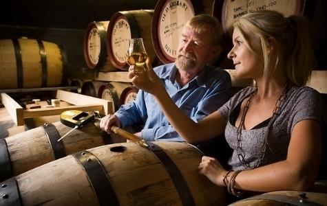 World whiskies.. Bra whisky (och sämre) tillverkas också i Irland: Redbrest, Connemara,B.Crockett Finland: Teerenpeli Danmark: Braunstein Frankrike: Glann Ar Mor, Menhirs, Armorik, Guillon .. Italien:Puni Distillery Tyskland: Slyrs, Blaue maus, Hoehler, .. Australien: Tasmanian Indien: Amrut, McDowell, John Distilleries Taiwan:Kavalan och många andra länder!