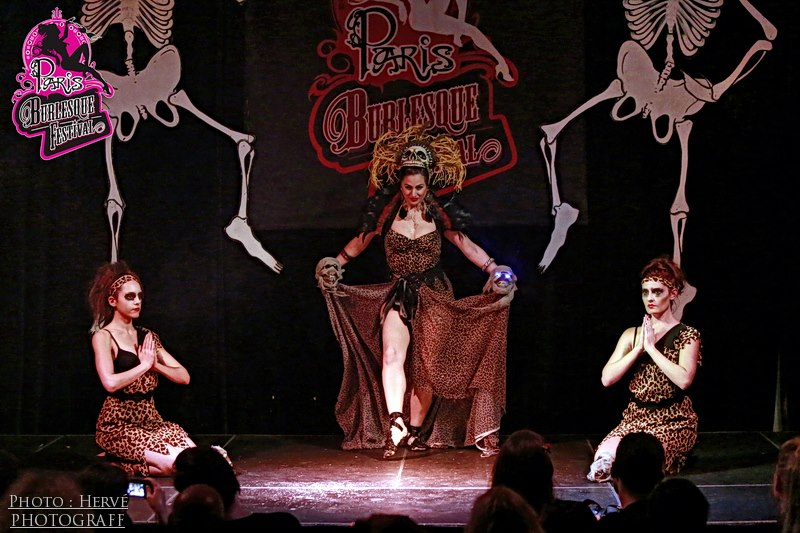 Last week I was very luck to go to one of my favourite festivals - The Paris Burlesque Festival!