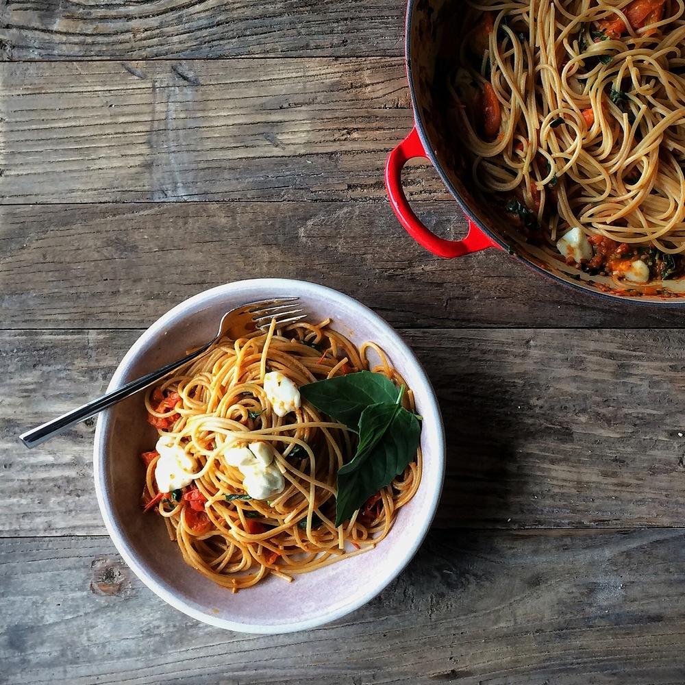 spring caprese spaghetti with ho-made cherry tomato sauce   slothful slattern
