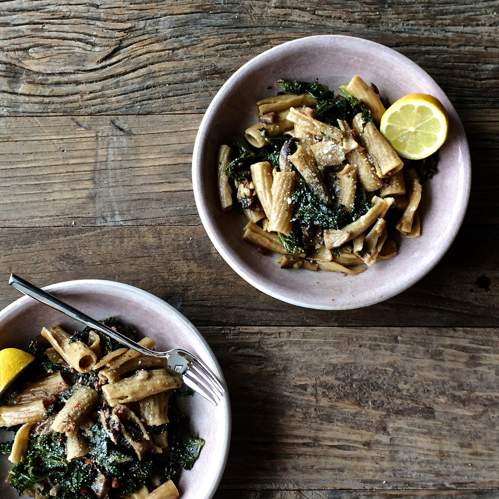 whole wheat rigatoni with kale, mushrooms, and white wine pancetta cream | slothful slattern