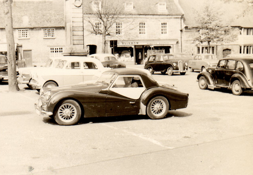 1961-Triumph-TR3A-1.jpg
