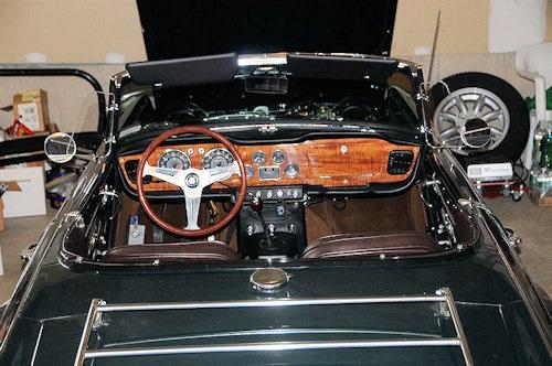 1965 Triumph TR4 8.jpg