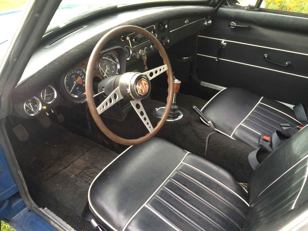 1967-MGB-GT-Interior.jpg