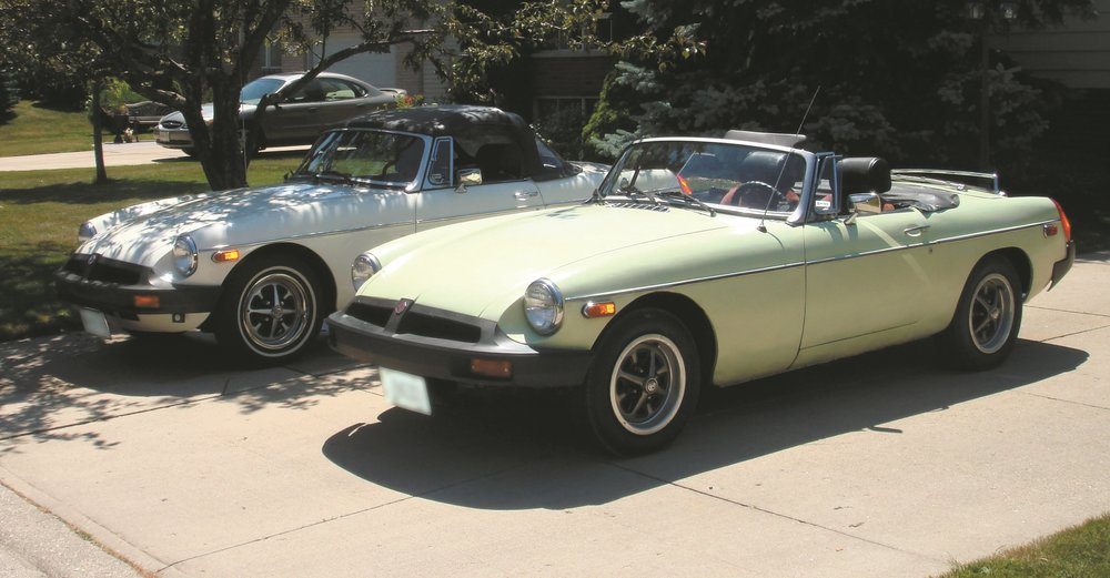 1977_yellow_mgb_028.jpg