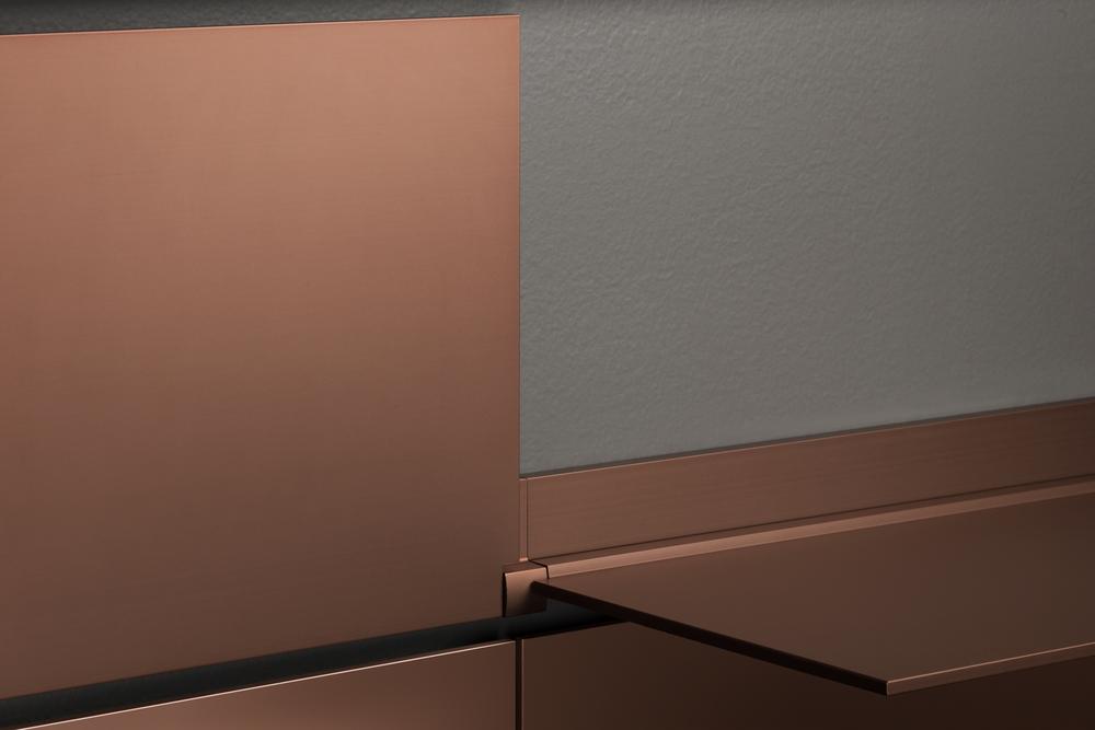 riveli_aluminum_shelf_copper_detail.jpg