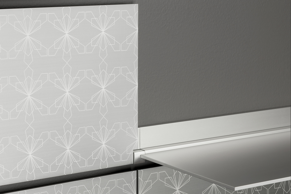 riveli_aluminum_shelf_etching_detail.jpg