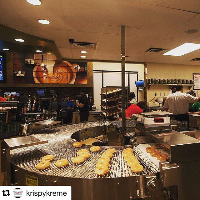 Riveli + Doughnuts #Regram @krispykreme ・・・ Hot. Doughnuts. Now.