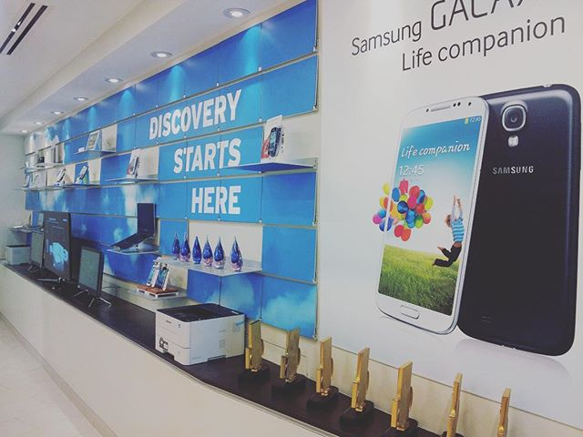 Riveli + Samsung --- #branding #shelving #design #modern