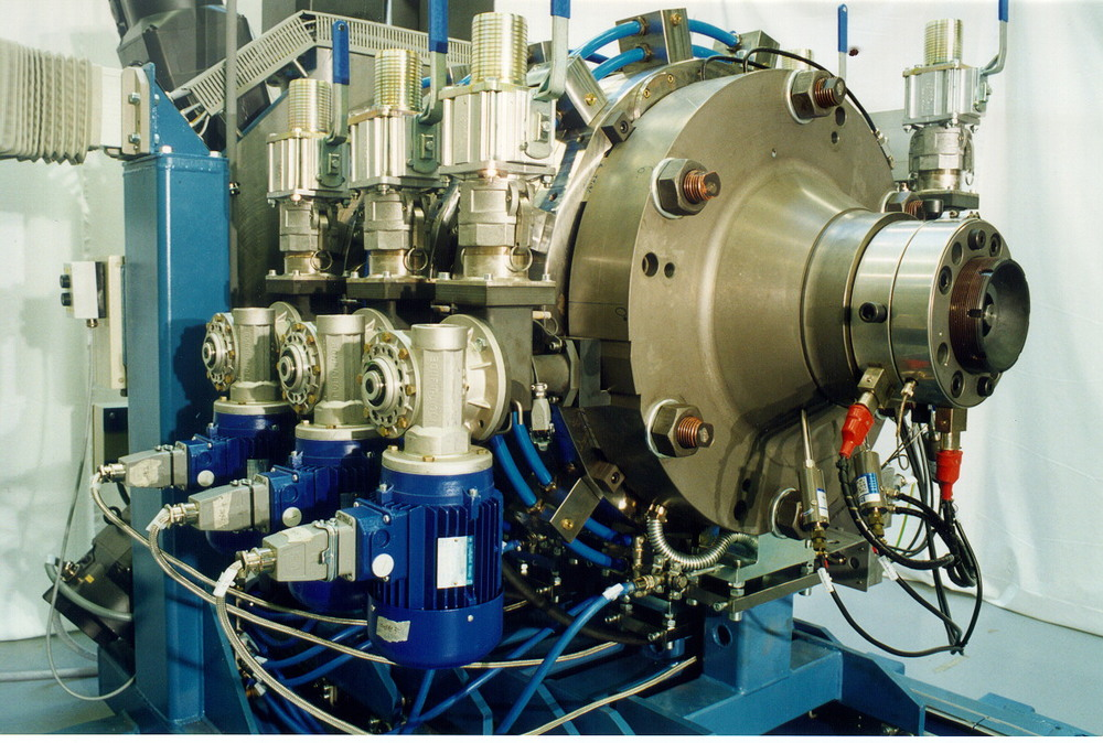 3-rotor CONEX-extruder at 500mm rotor dia size