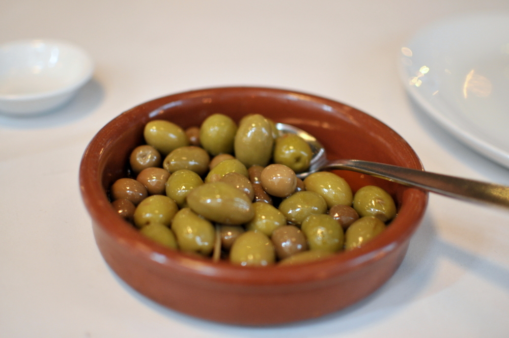Aceitunas - house marinated olives