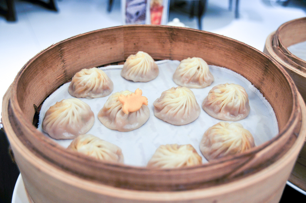Steamed pork and hairy crab meat xiaolongbao