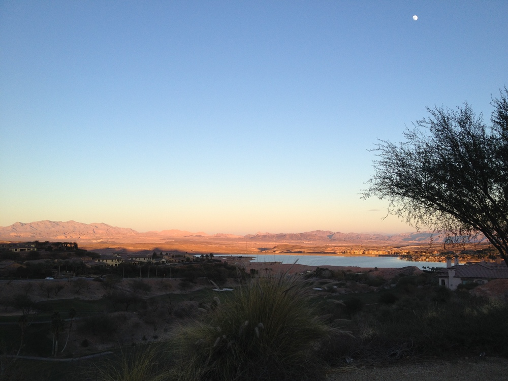 Team IE's gorgeous backdrop for swim/bike/run in Vegas!