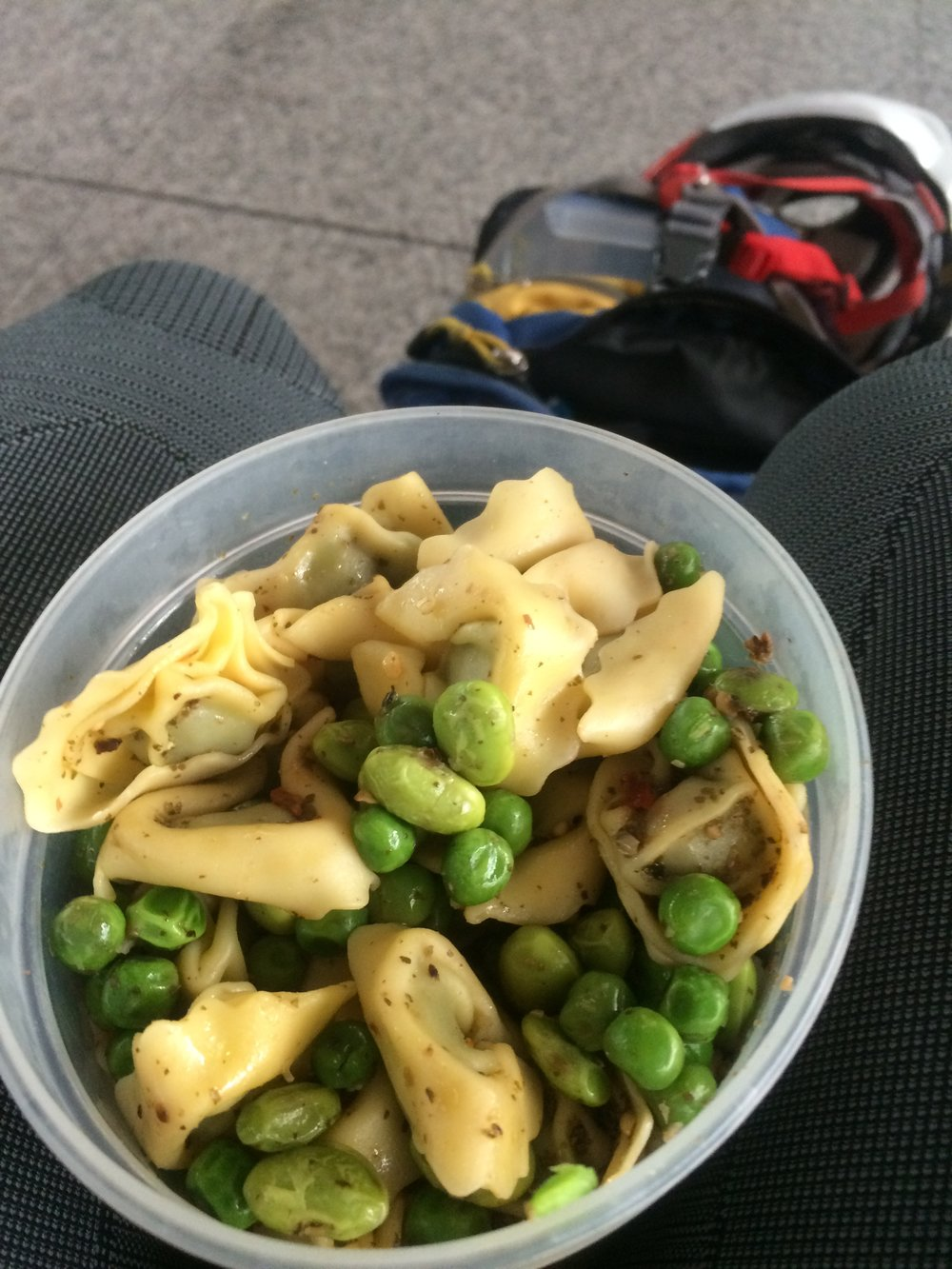 Travel meal... spinach tortellini w/ edamame and peas