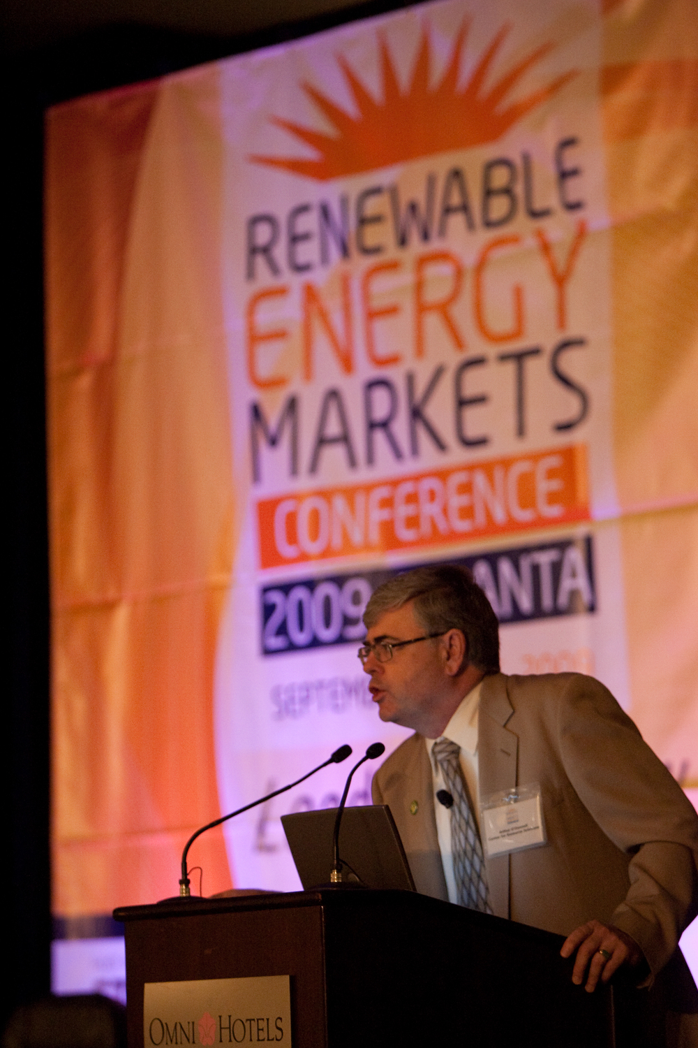 2090914renewableenergy0036.jpg