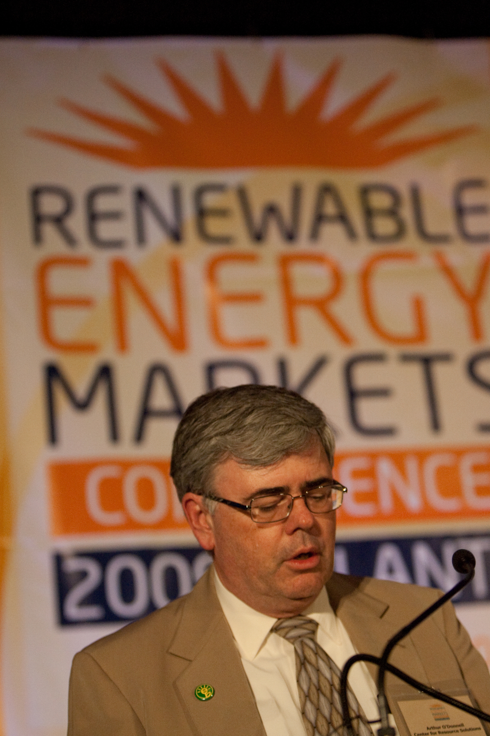 2090914renewableenergy20100.jpg
