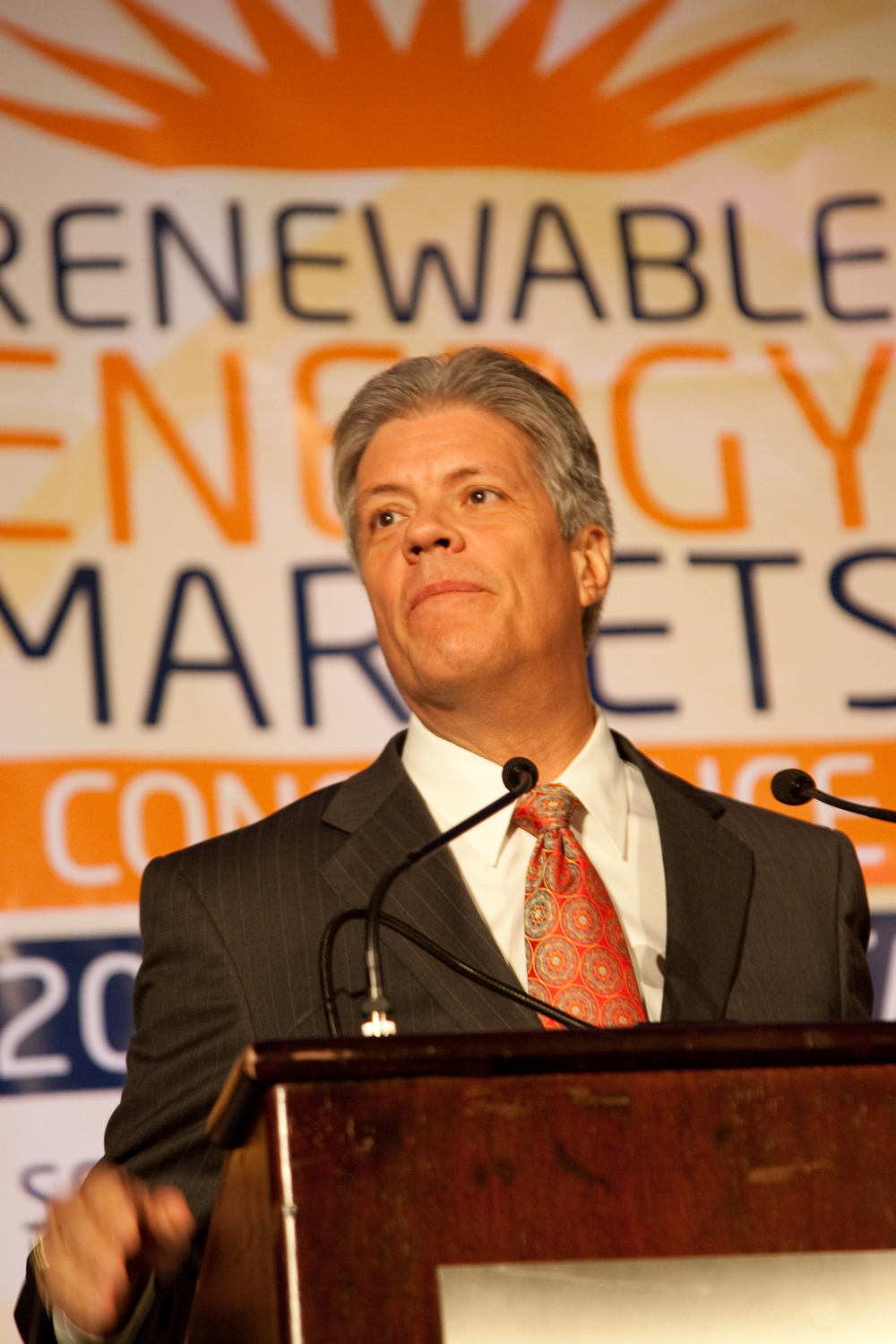2090914renewableenergy20323.jpg