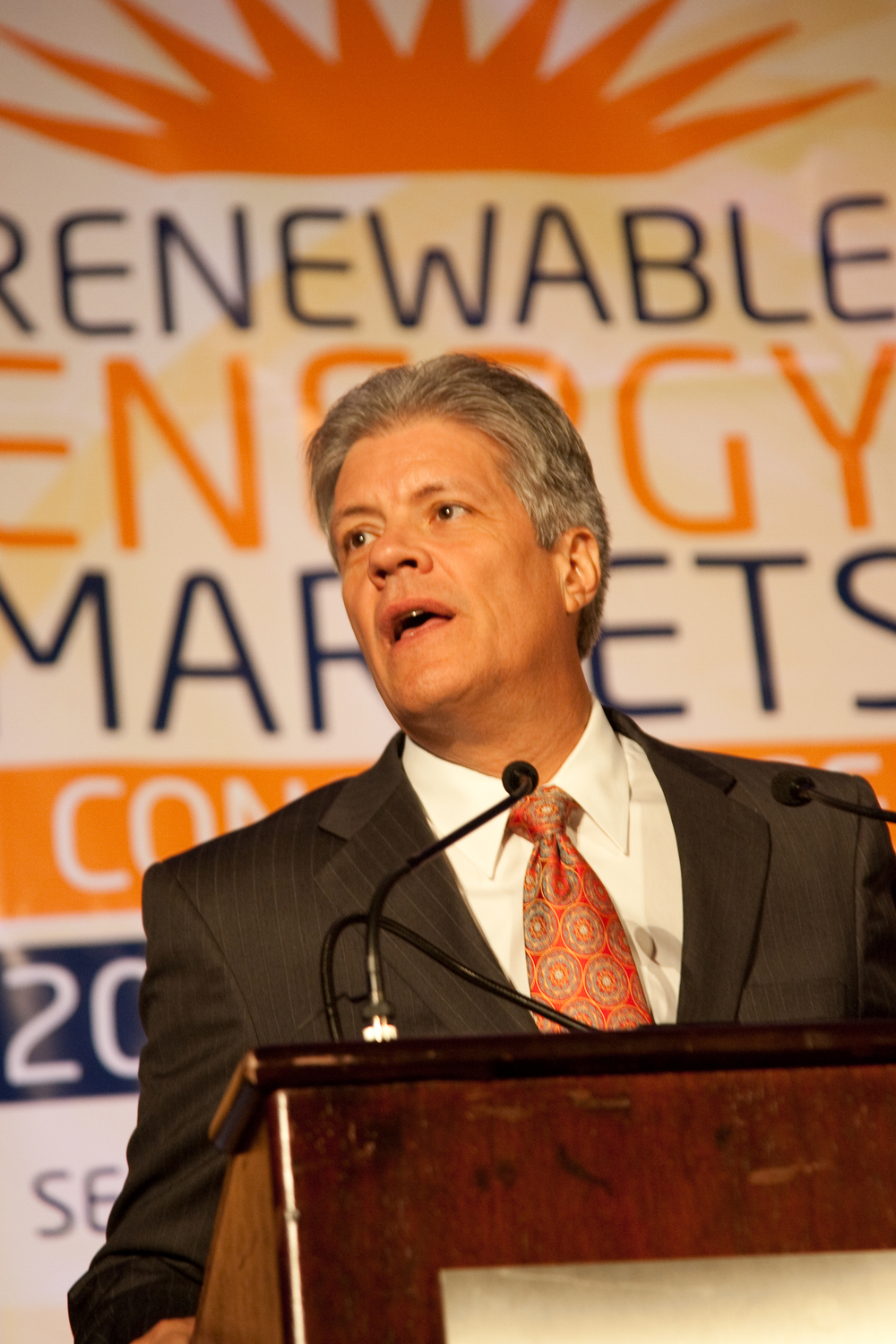 2090914renewableenergy20324.jpg