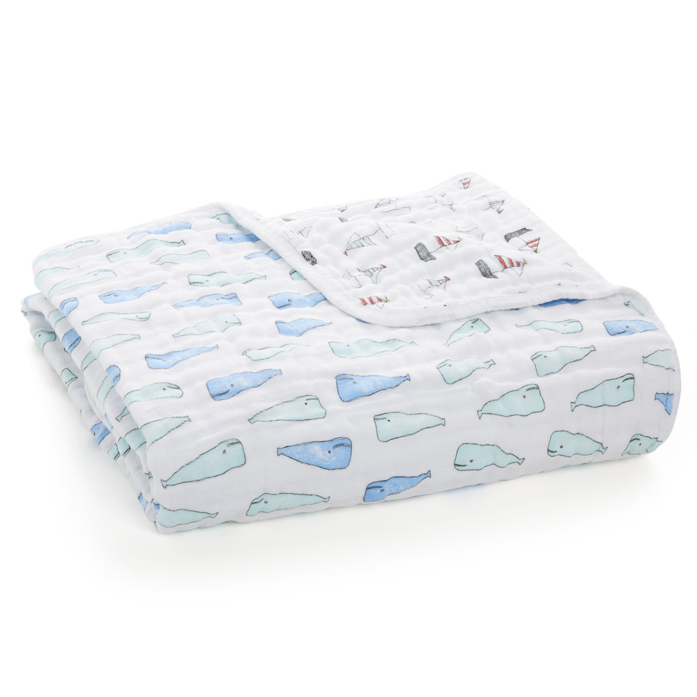NT6001_1-classic-dream-blanket-natchie-whales-boats.jpg