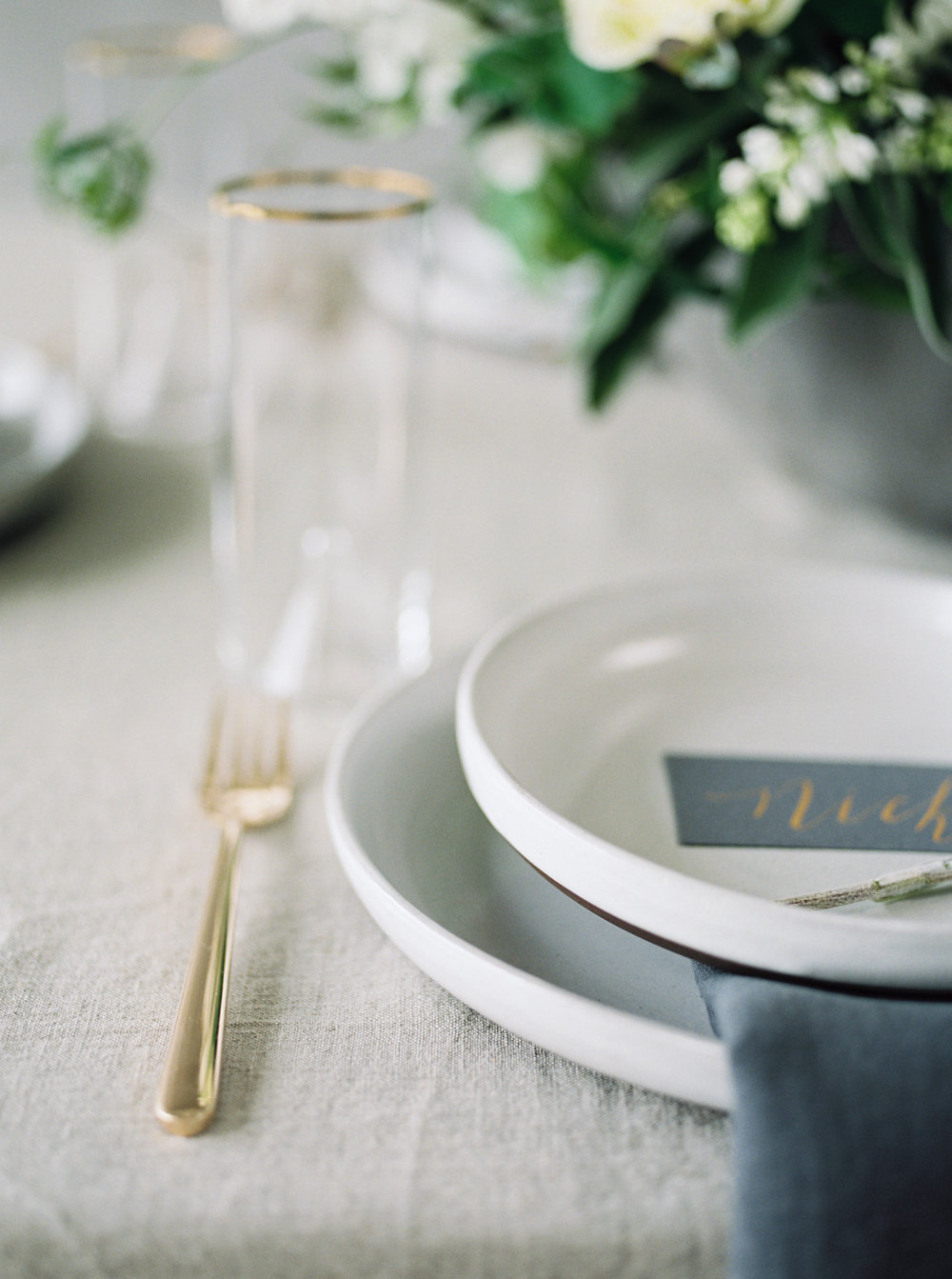 Modern & Simple Wedding Inspiration | cottagehillmag.com
