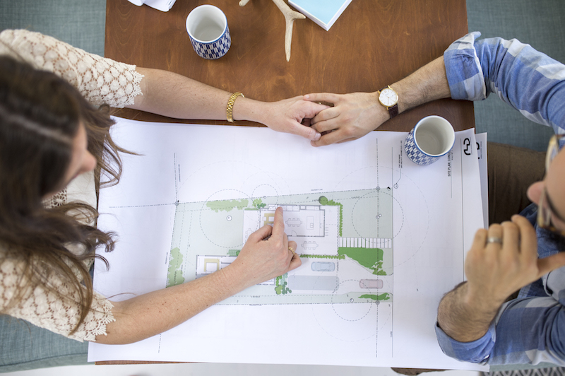 Living in a Beautifully Restored Vintage Airstream | cottagehillmag.com