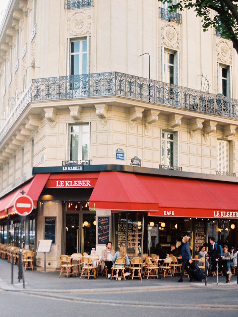 The Most Romantic Honeymoon in Paris | cottagehillmag.com