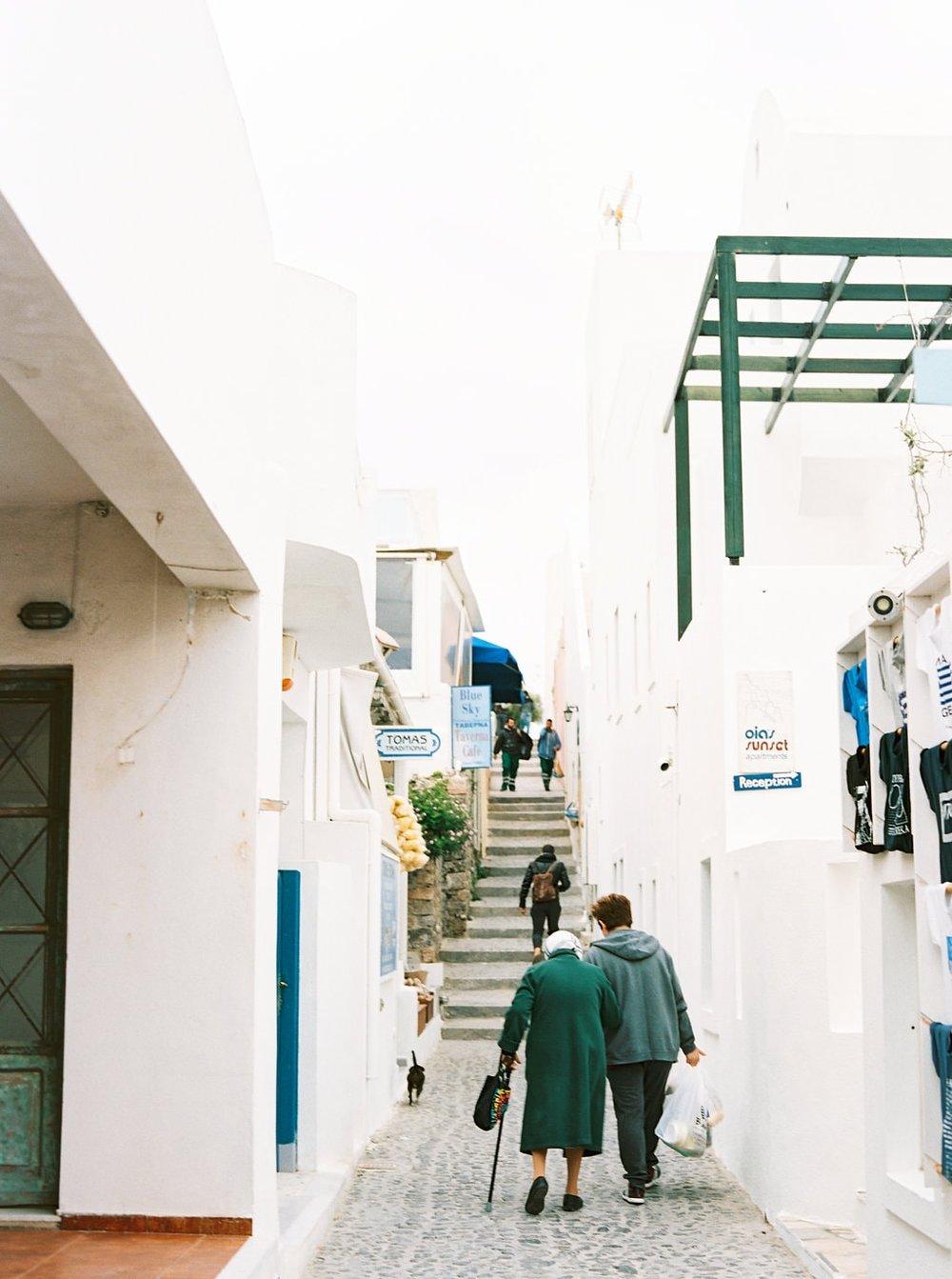 Santorini30thBirthday-104-min.jpg